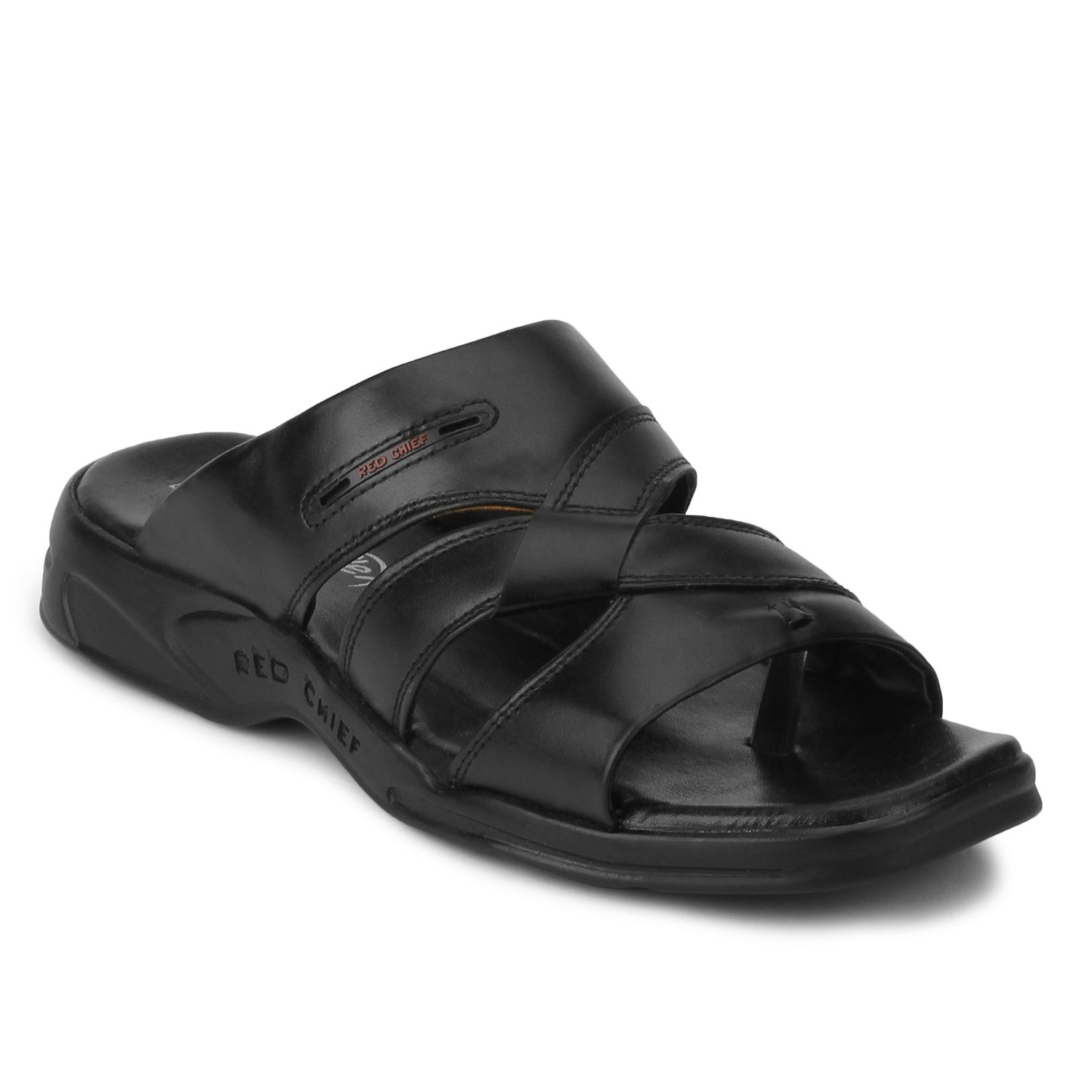 Accentuate your look with this pair of Black men's sandals from PowerFlex  by Red Chief.