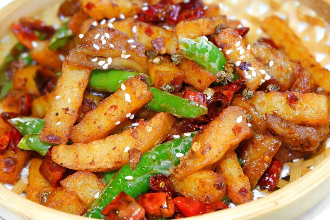 Spicy (vegan) sausage and potato..#asia