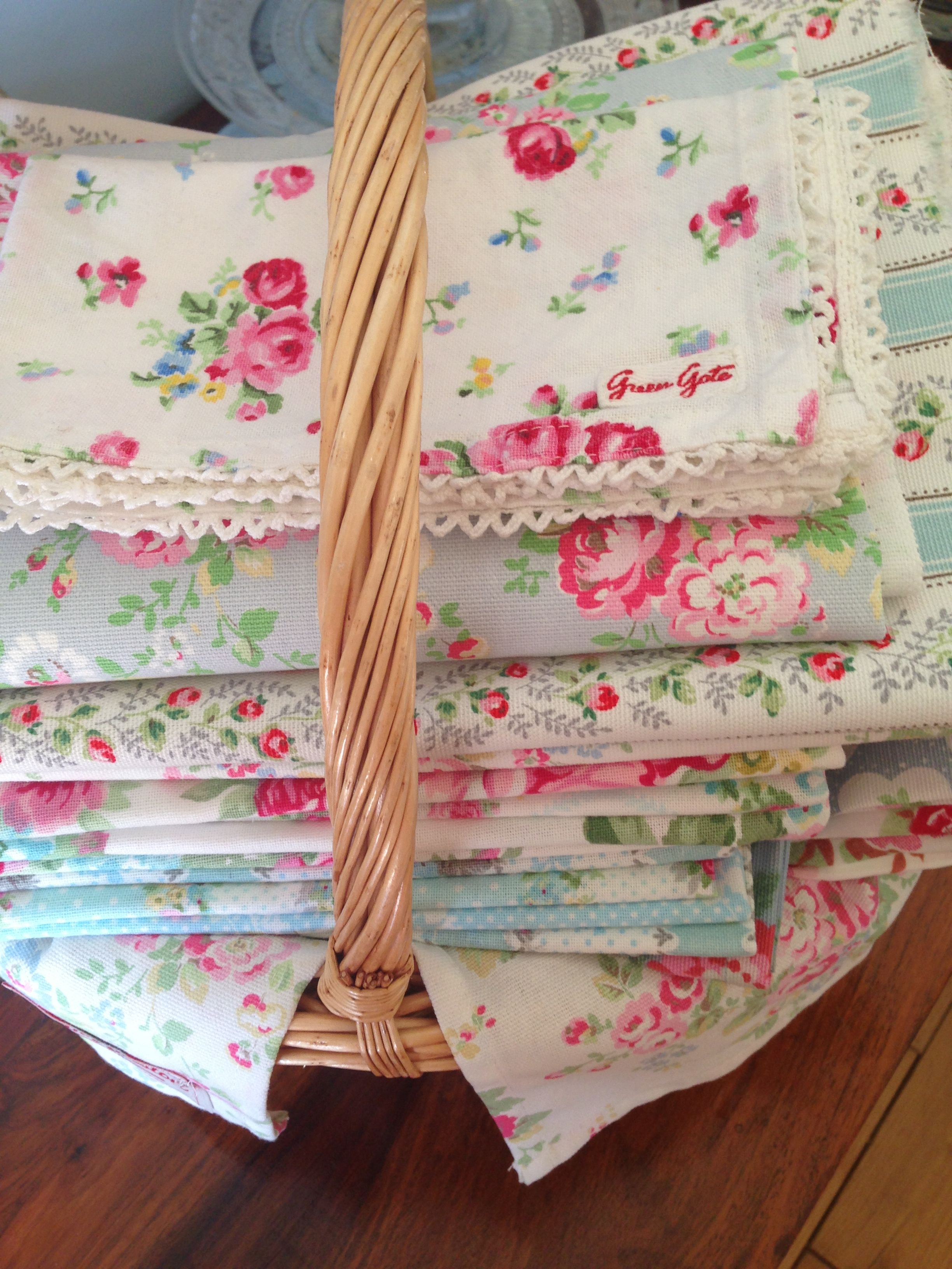 Pin By Diane Nasiff On Florals Cath Kidston Fabric Vintage Linens Vintage Crafts