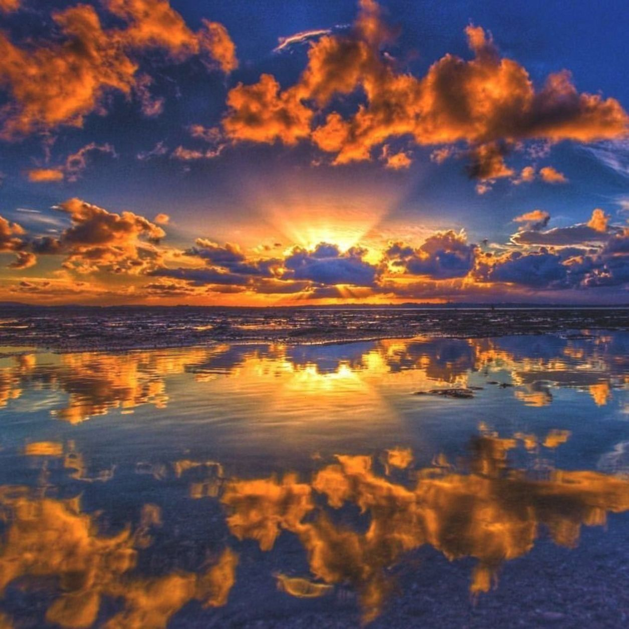 Sunsets and Sunrises from Southeast Queensland by Ben MulderAstonishing Sunsets and Sunrises from S