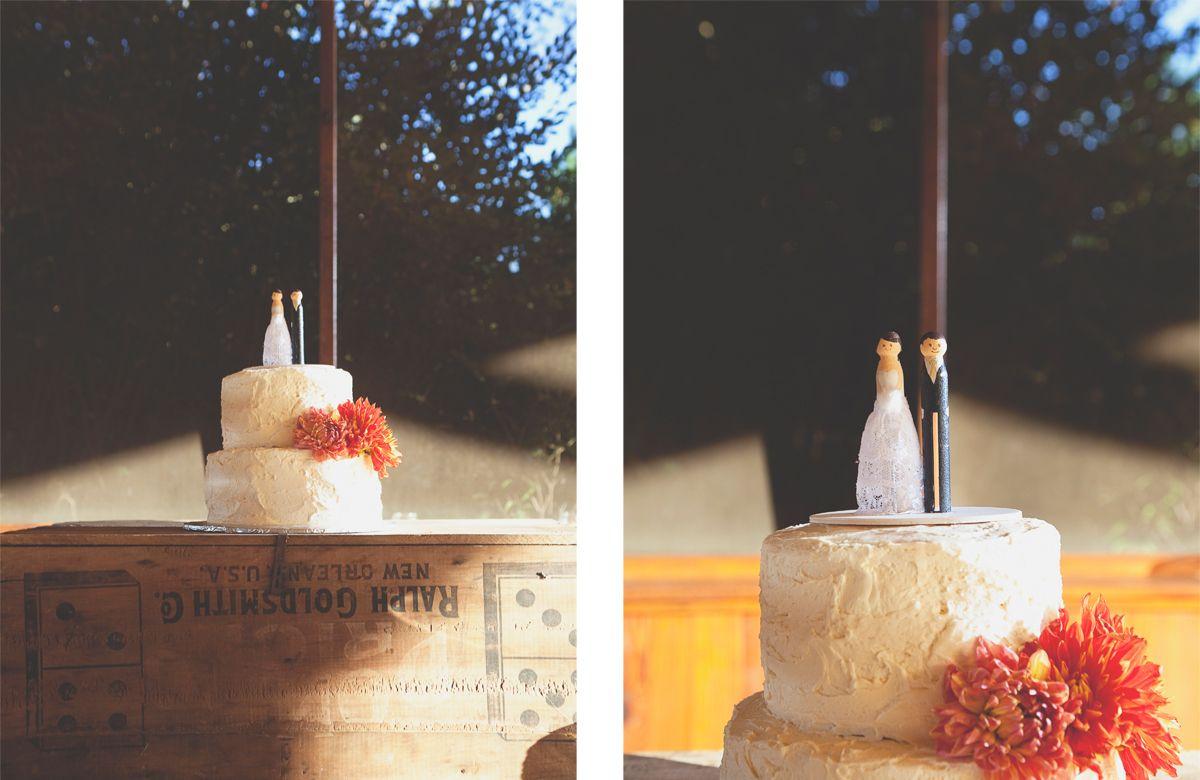 wedding photography fall wedding cake