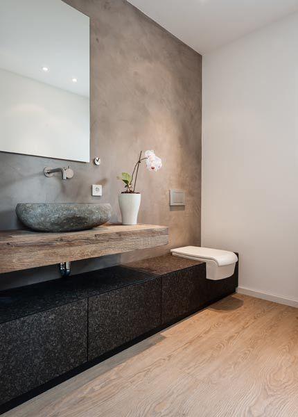 Altholz-Braun, Grau und Edelstahl - so geht einrichten - badezimmer modern grau