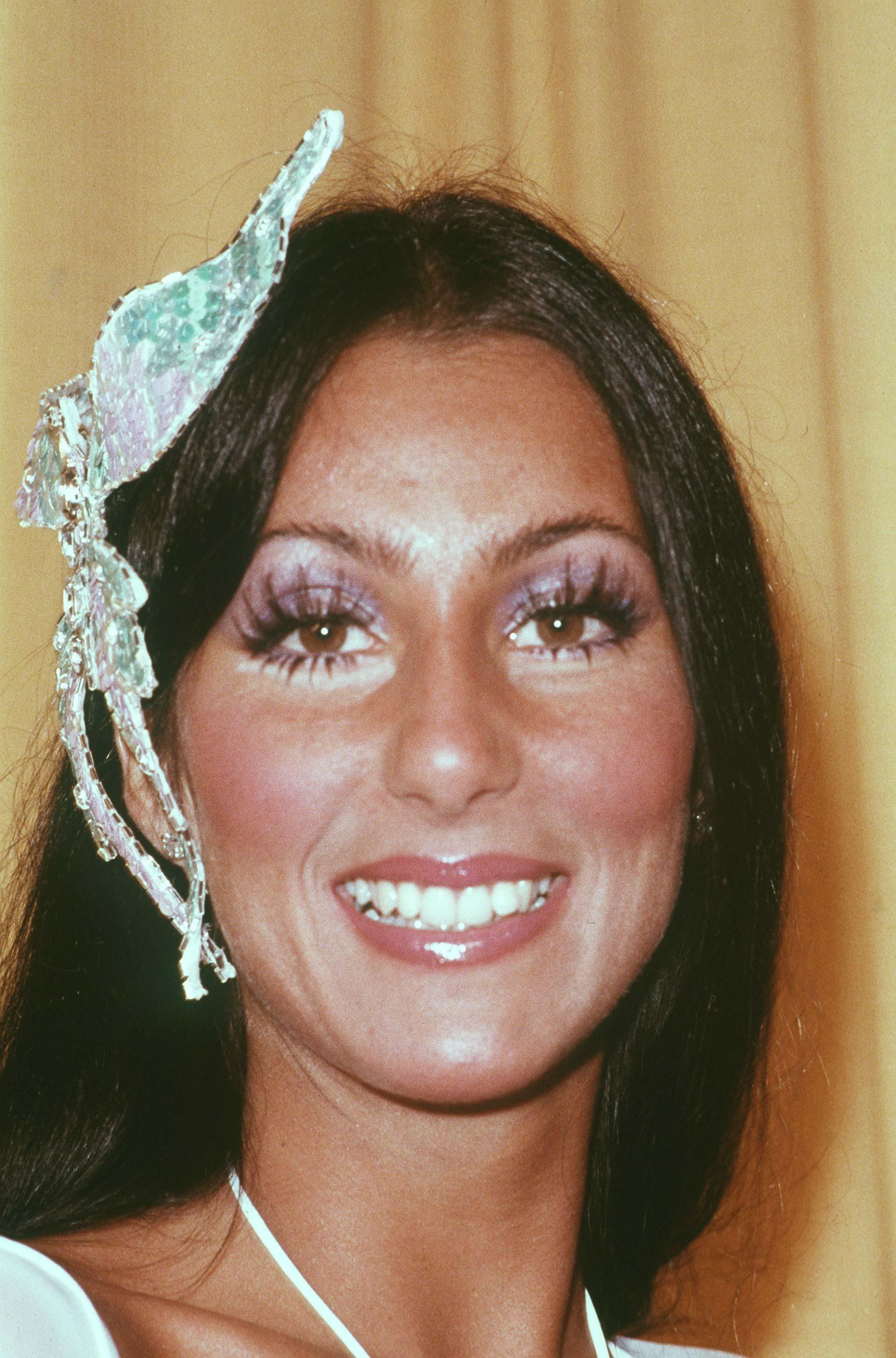Fotos De Cher 1970's grammy awards - cher in 2019   disco makeup, 70s