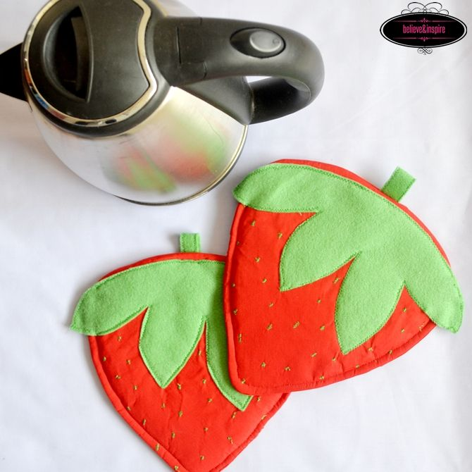 How to Sew Strawberry Pot Holders - SUPER EASY tutorial for ...