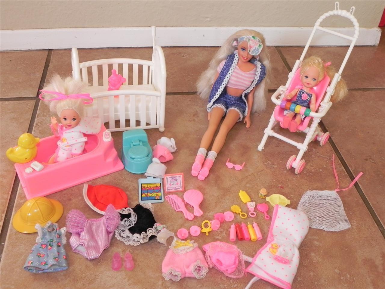 Vintage Barbie and Kelly Nursery Crib Stroller Bath Tub 3