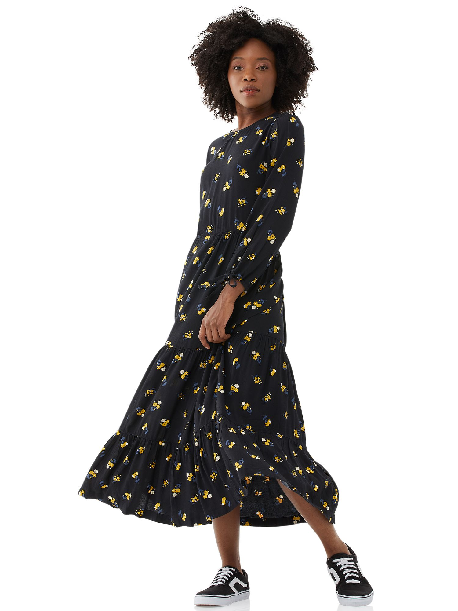 Free Assembly Free Assembly Women S Tiered Maxi Dress Walmart Com Maxi Dress Tiered Maxi Dress Floral Maxi Dress [ 2000 x 1500 Pixel ]