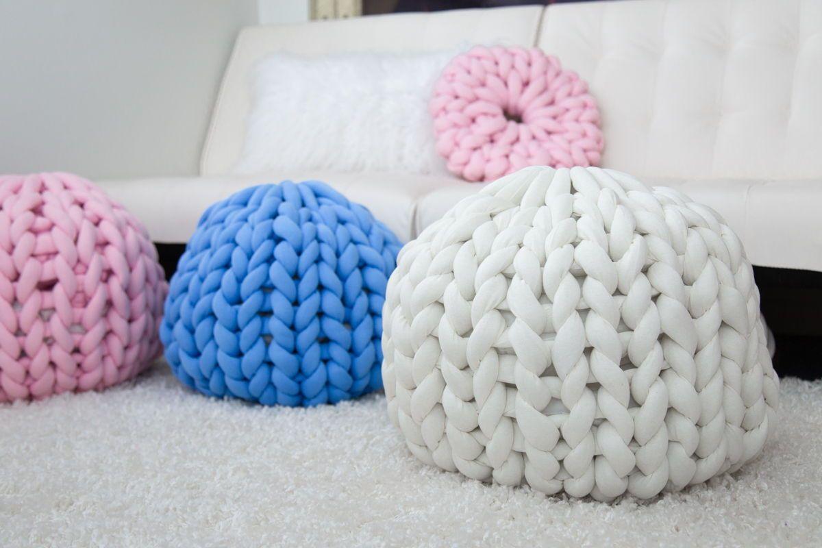 Chunky knit poufottoman cotton tube yarn knitted pouf
