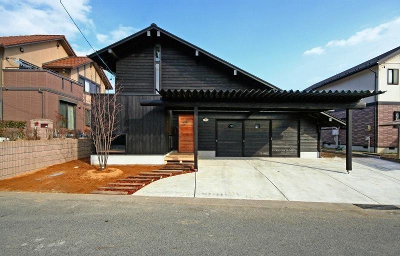 外観に馴染むおしゃれなカーポート15選 日本のモダンな家 現代日本