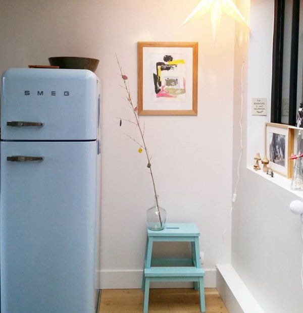 cuisine avec un frigo smeg bleu pastel - Frigo Bleu