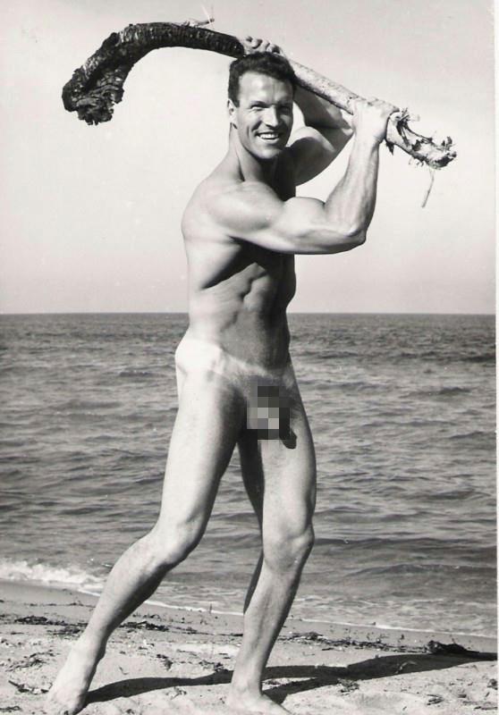 vintage-nude-professional-male-athletes