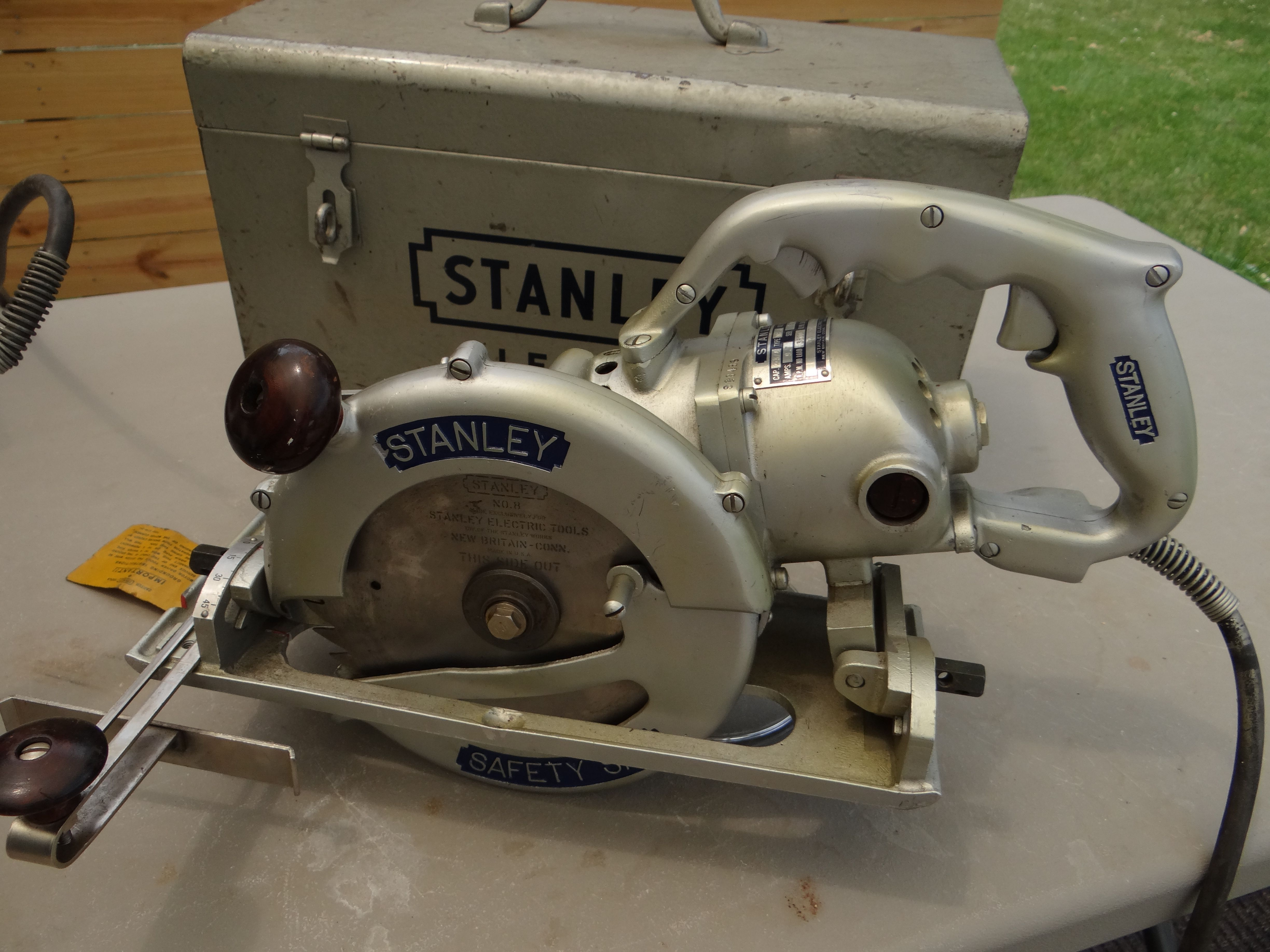 1950 stanley w8safety saw circular saw cool tools power saw vintage antiques  [ 4896 x 3672 Pixel ]