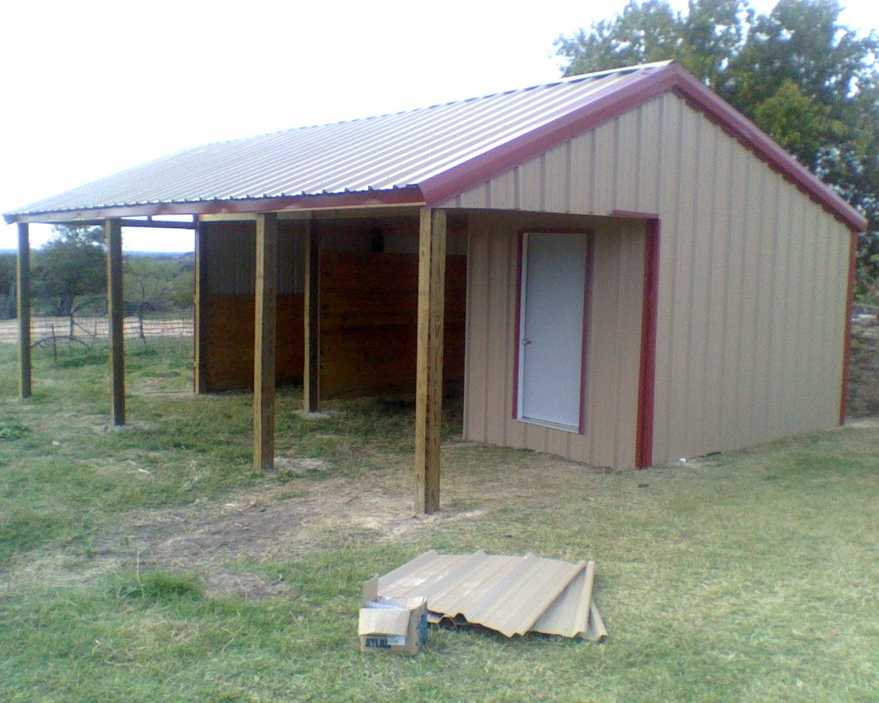 Small 2 stall horse barn small barns horse related for Mini barn plans