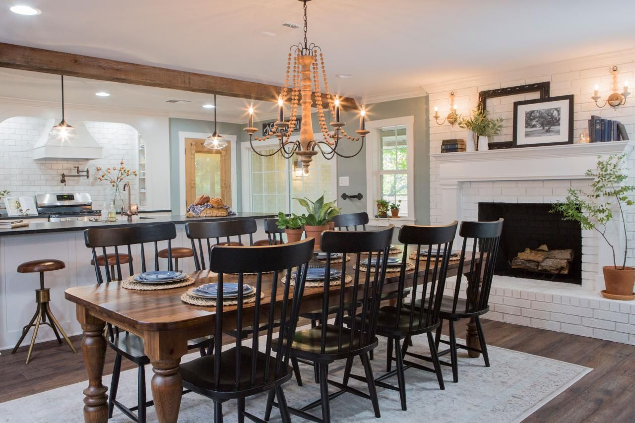 Photos Hgtv S Fixer Upper With Chip And Joanna Gaines Hgtv Fixer Upper Dining Room Farmhouse Dining Rooms Decor Modern Farmhouse Dining