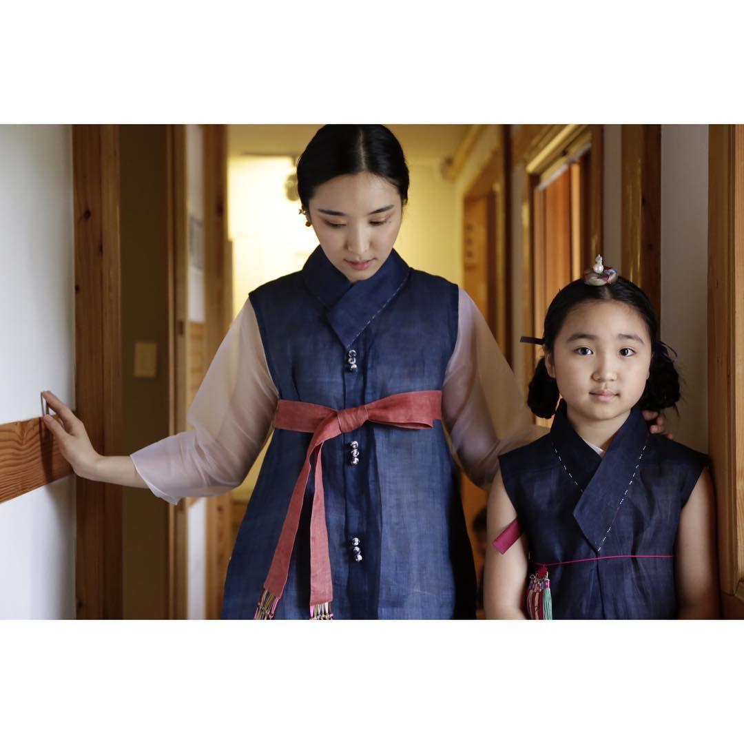 """""""솔이와#바느질풍경 #모시답호 #모시원피스 #dress #hanbok #sewinglandscape  #여아한복  #바느질풍경  #김복희"""""""