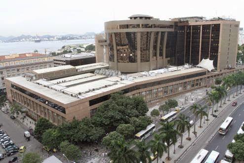 JORNAL REGIONAL EXPRESS: Justiça proíbe acusados de matar Santiago de parti...