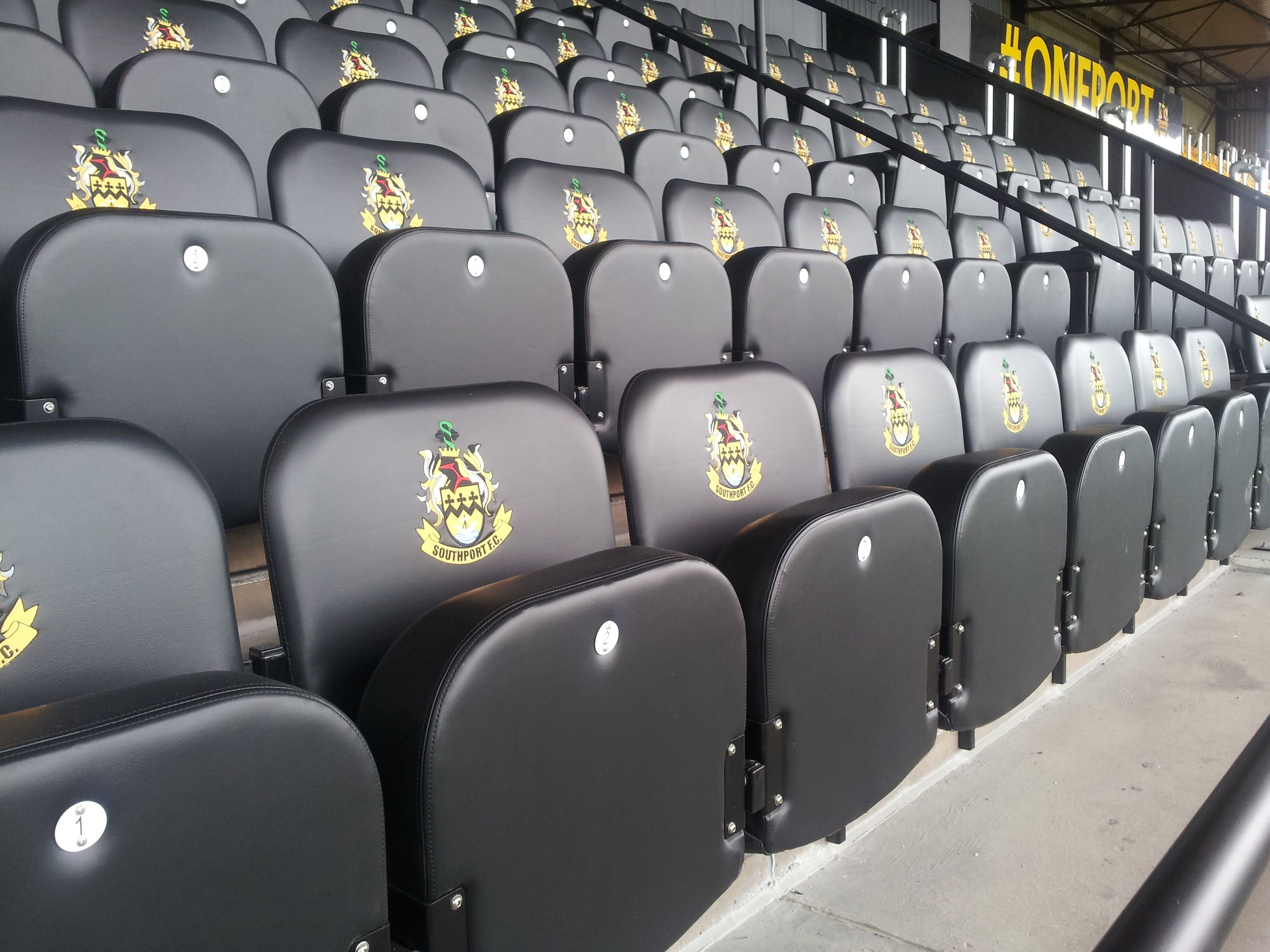 Stadium Chairs With Backs.Evertaut Club Luxury Stadium Seats Upholstered In Black