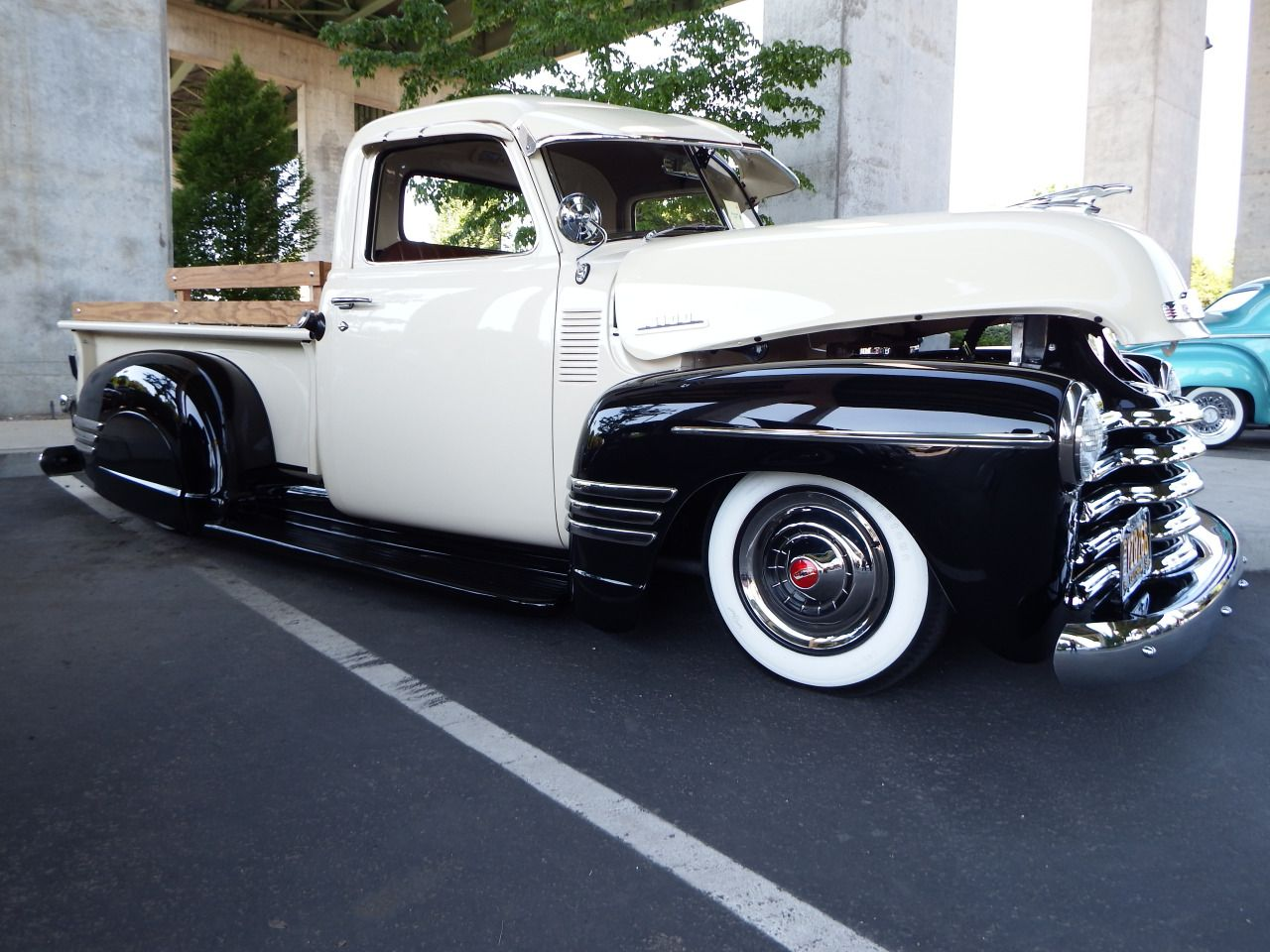 Lowrider cars and trucks from the 20\'s through the 50\'s. Chevy Bombs ...