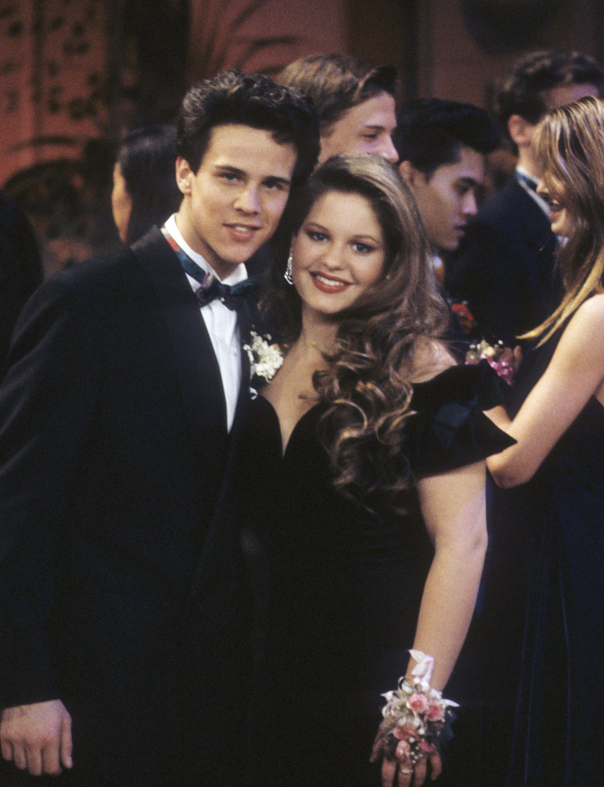 D.J.u0027s Ex Boyfriend Steve Returned For The Series Finale Of Full House, And  Their Prom Night Was Totally Swoon Worthy! Her Puffy Sleeved Black Prom  Dress Is ...