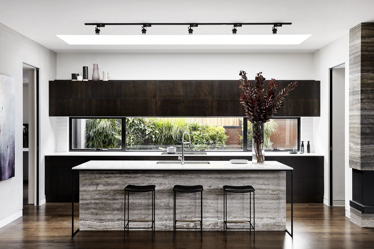 Contemporary minimal house with inviting ambiance in Australia ...