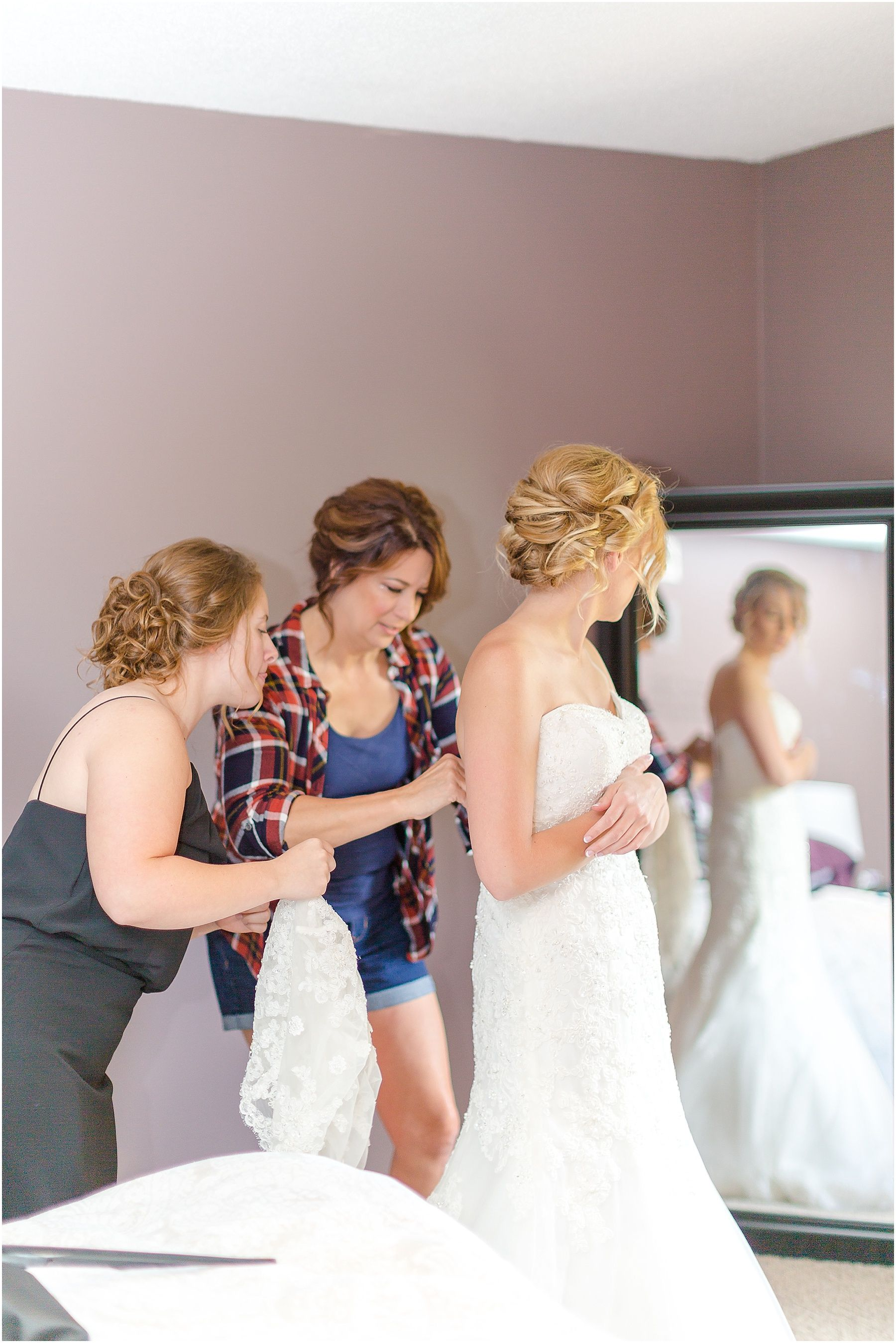 Maroon and white wedding decor  Pin by Gina Sinn on Gina Sinn Photography  Pinterest