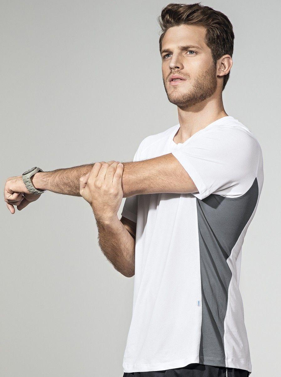 Camisa Masculina Fitness Em Poliamida Com Recorte Em Cor Contrastante  9644b5e5c32