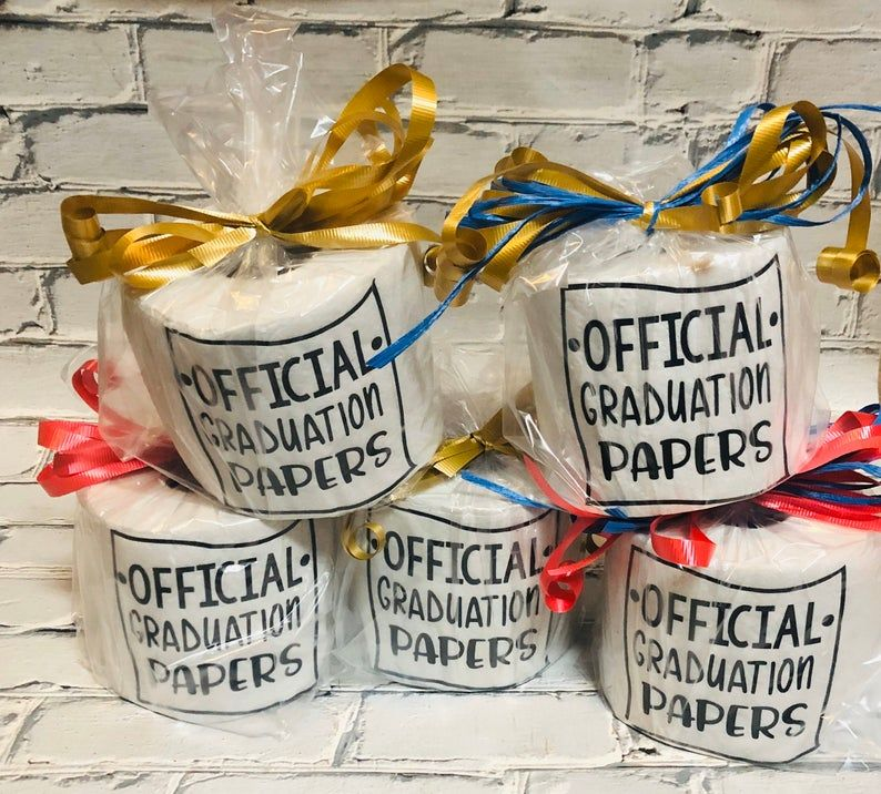 30 graduation gifts graduates actually want best