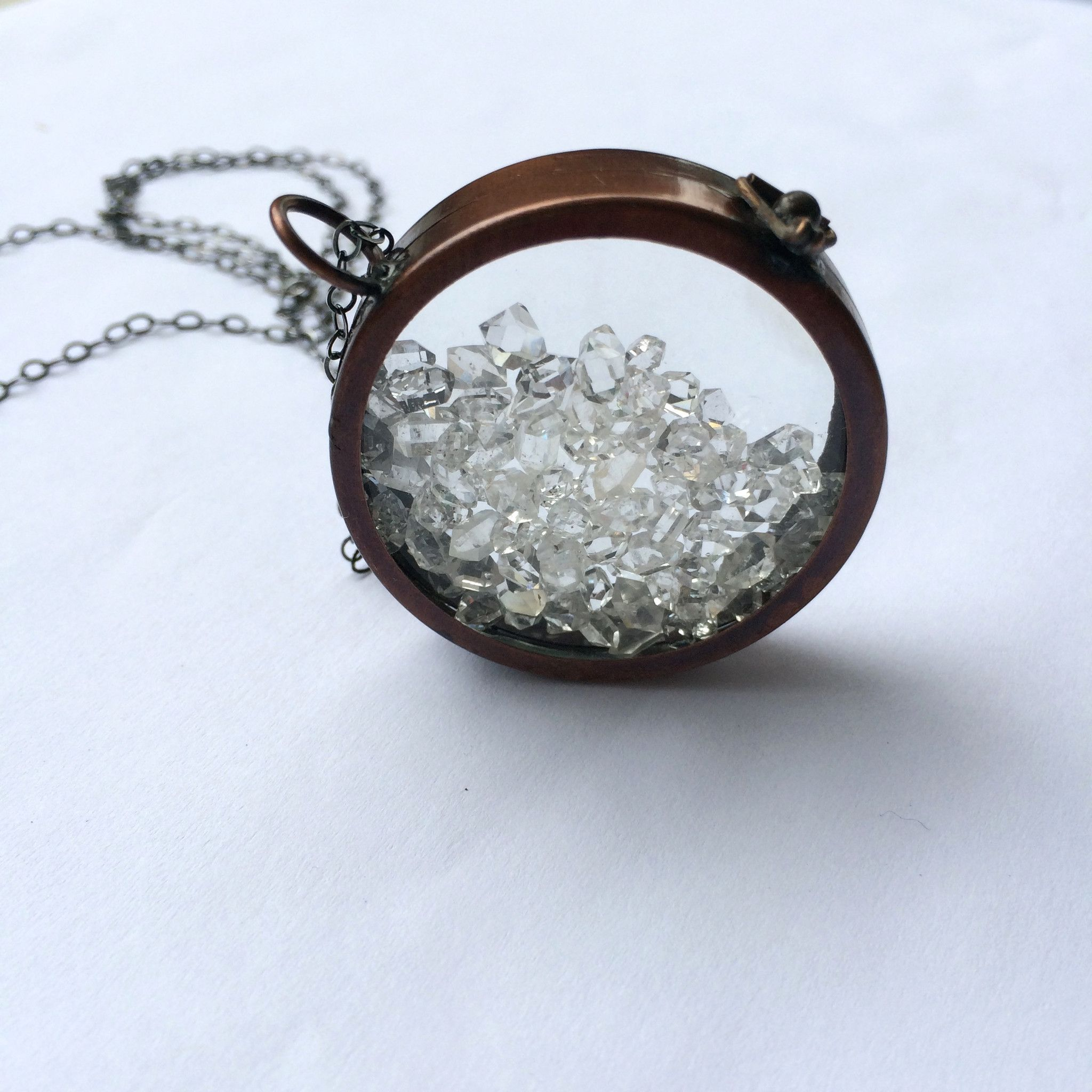 round perfume cheap online oil lockets essential diffuser product necklace by chain with pendants antique fashion express quot pads silver aromatherapy locket