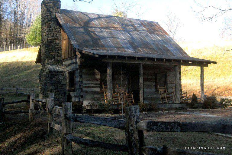 Creekside Log Cabin Rental With Cozy Sleeping Loft In Yancey County North Carolina Log Cabin Exterior Rustic Cabin Log Cabin Rentals