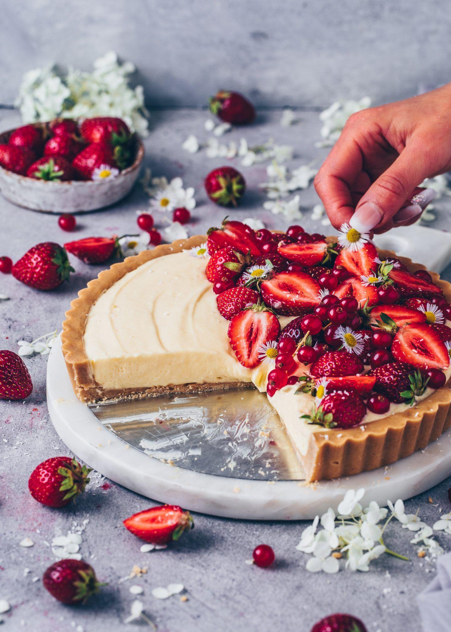 Vanille Pudding Tarte mit Erdbeeren | Vegan - Bianca Zapatka | Rezepte