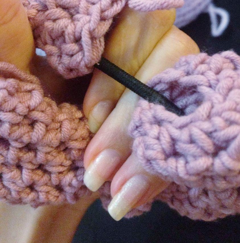 How to Crochet a Scrunchie 3 Ways #crochetscrunchies