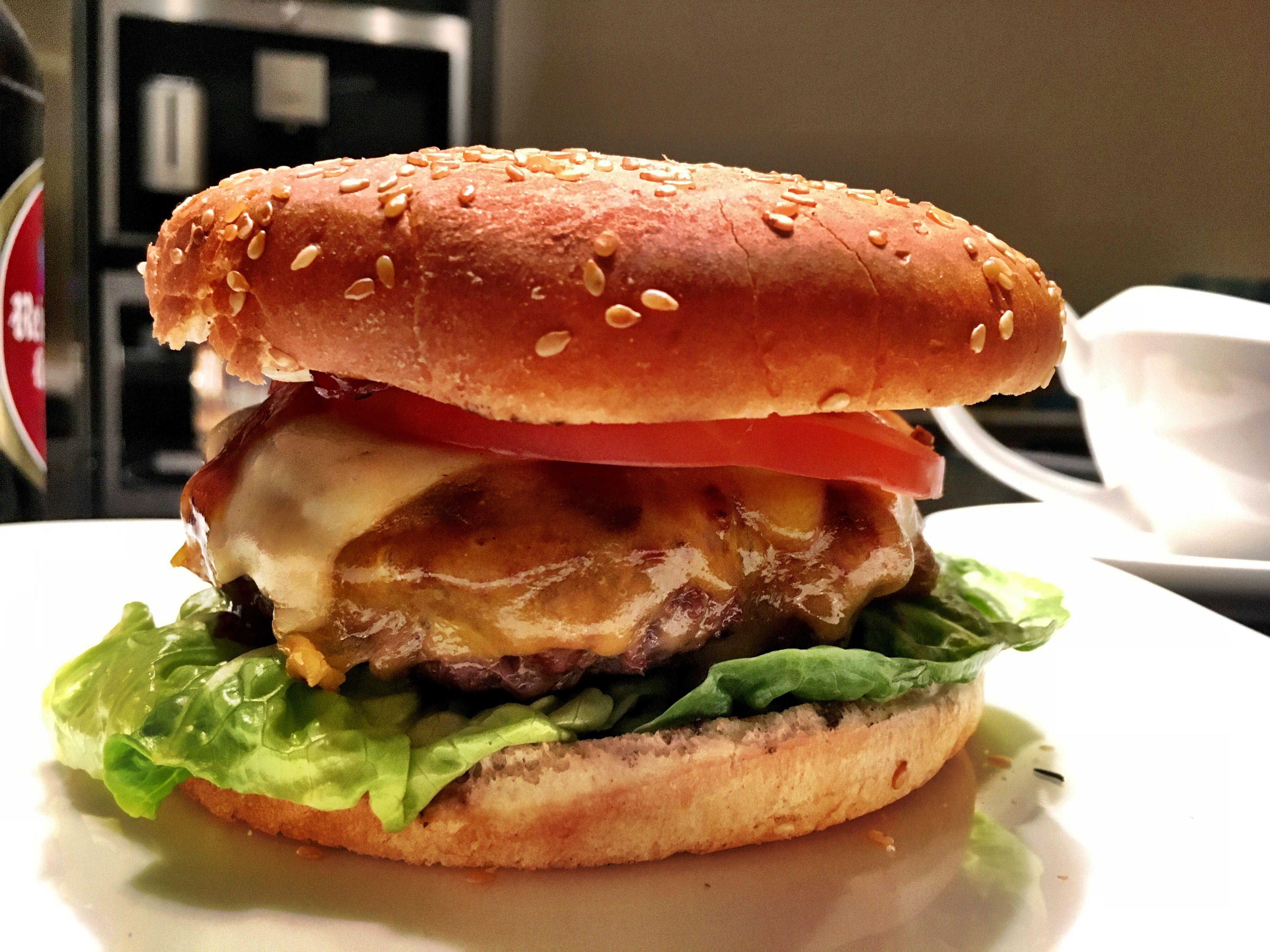Cheeseburger sind tolle Burger - erst recht, wenn man spontan Lust auf Burger hat, aber keinen großen Schnickschnack veranstalten möchte.