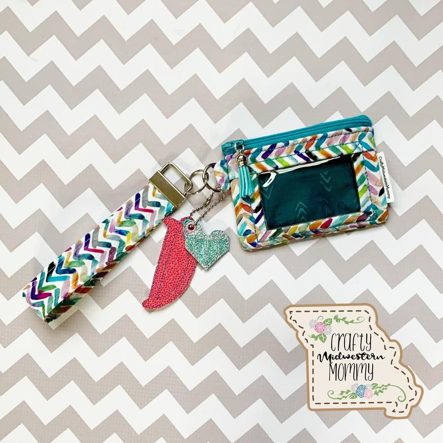 This id keeper is great for your kids to have their school ID or for adults to have an easy ID Holder ! #idholder #walletsforwomen #wallet #kidsidholder #kidswallet #handmade #womensaccessories #kidsaccessories
