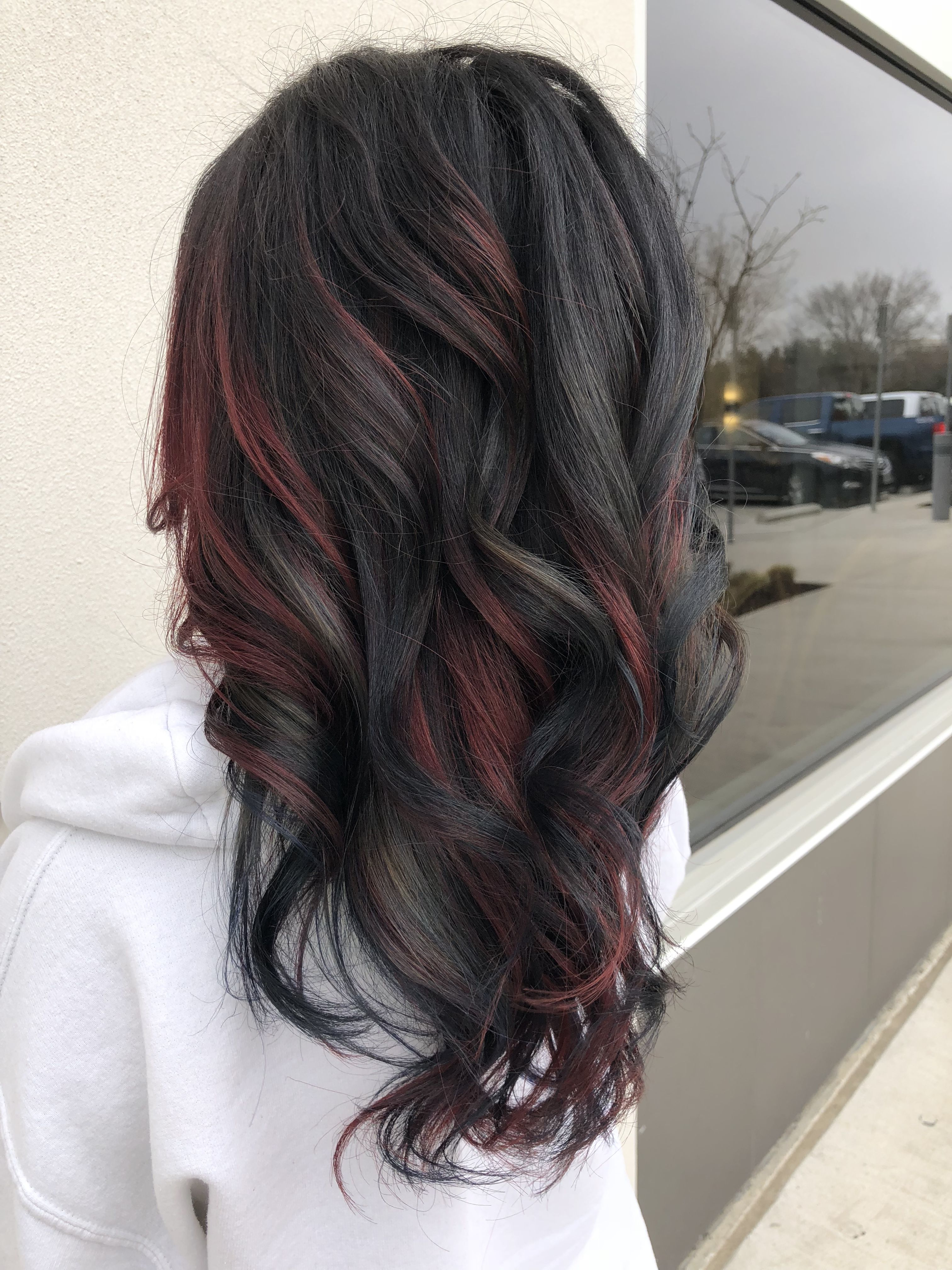 Blue And Red Color On Dark Brown Hair Black Hair With Red Highlights Black Red Hair Black Hair With Highlights
