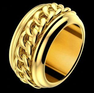 Piaget-Possession-web-Apr.2013,Possession classic chain motif ring in 18K yellow gold.