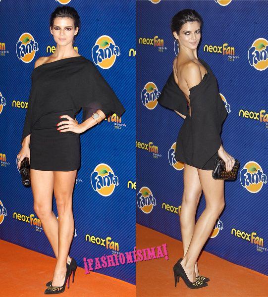 clara-lago premios neox fan awards 2013 vestido negro asimetrico espalda descubierta little black dress