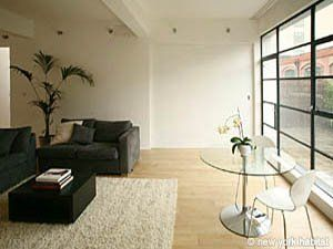 Discount Until July 10th Treat Yourself 15 Off This Upscale And Stylish 2 Bedroom Loft Apartment In The Is Bedroom Loft Loft Apartment London Accommodation