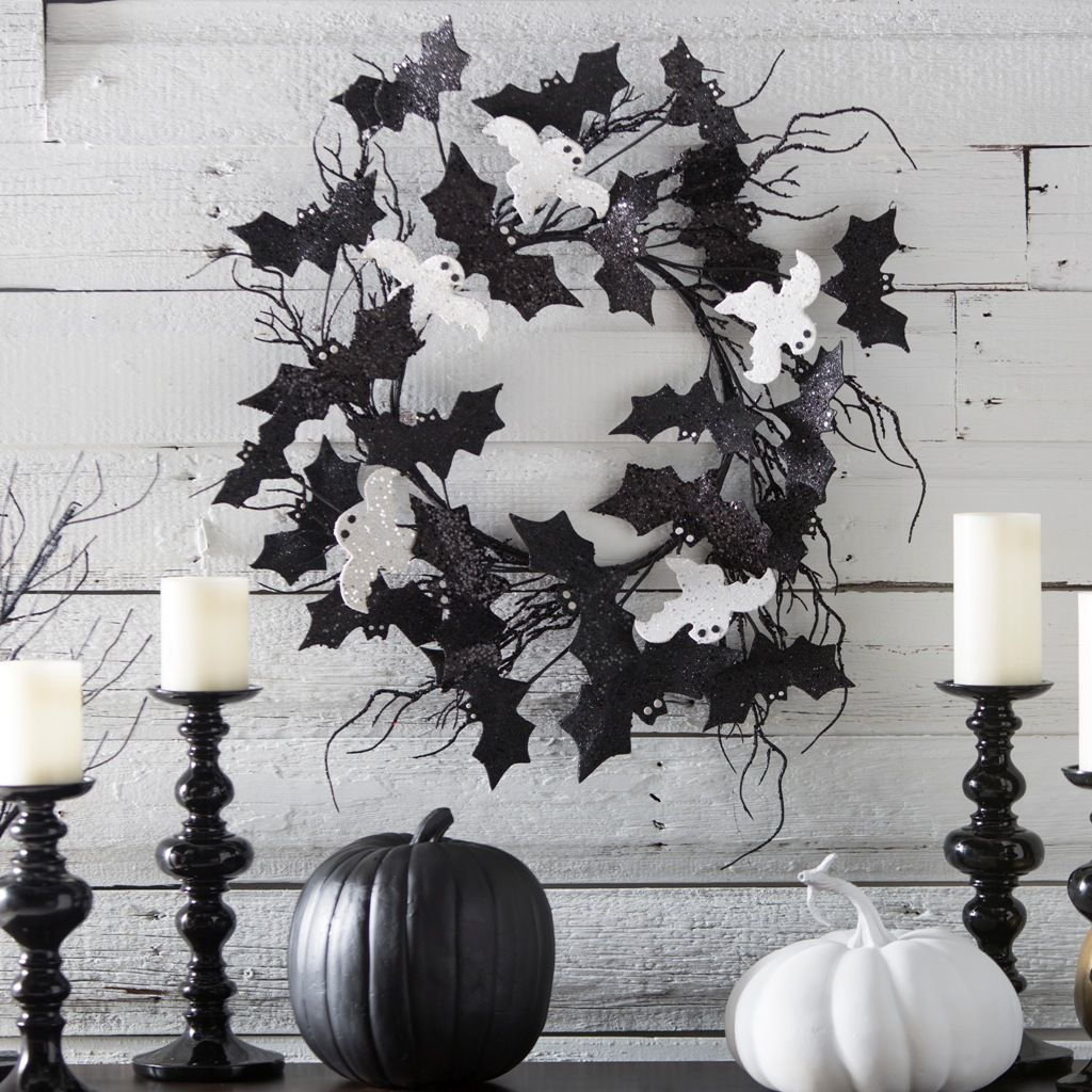 31 Ideas For Stylish Black  White Halloween Decorations - Elegant Halloween Decor