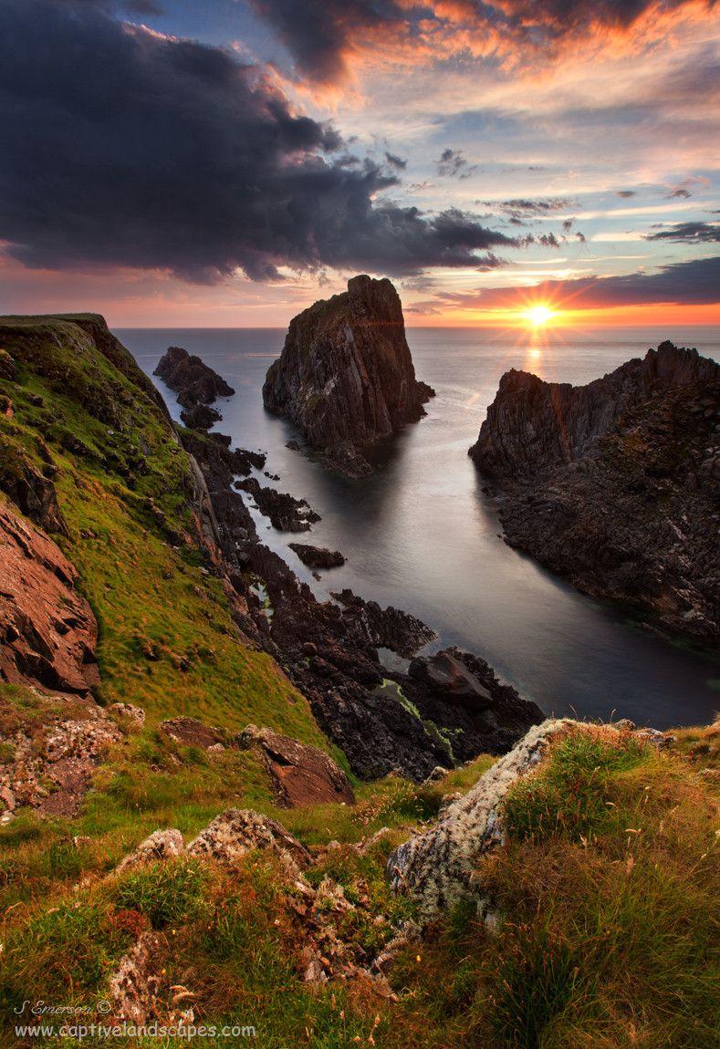 Malin Head, Co. Donegal, Ireland by S. Emerson (avec