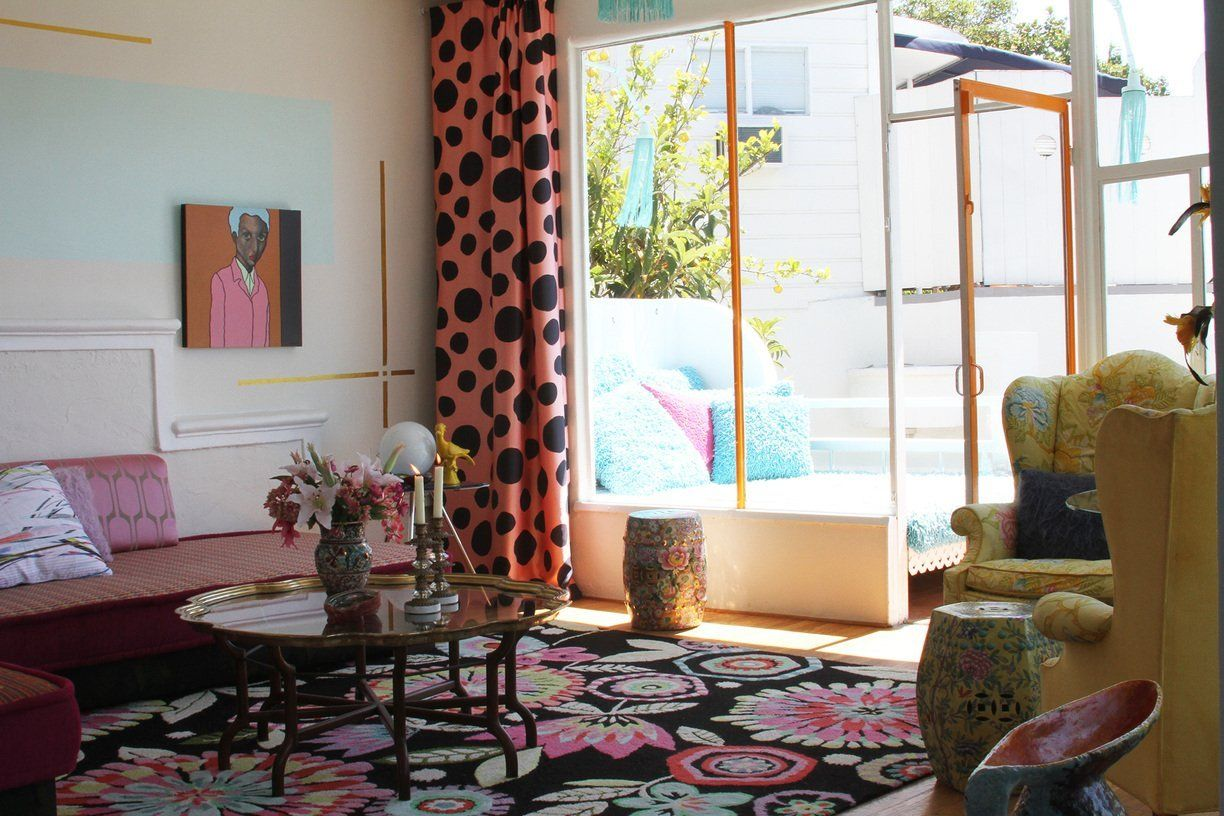 """Joannes & Ihor's Happy """"Pied-a-terre"""" in the Hollywood Hills"""