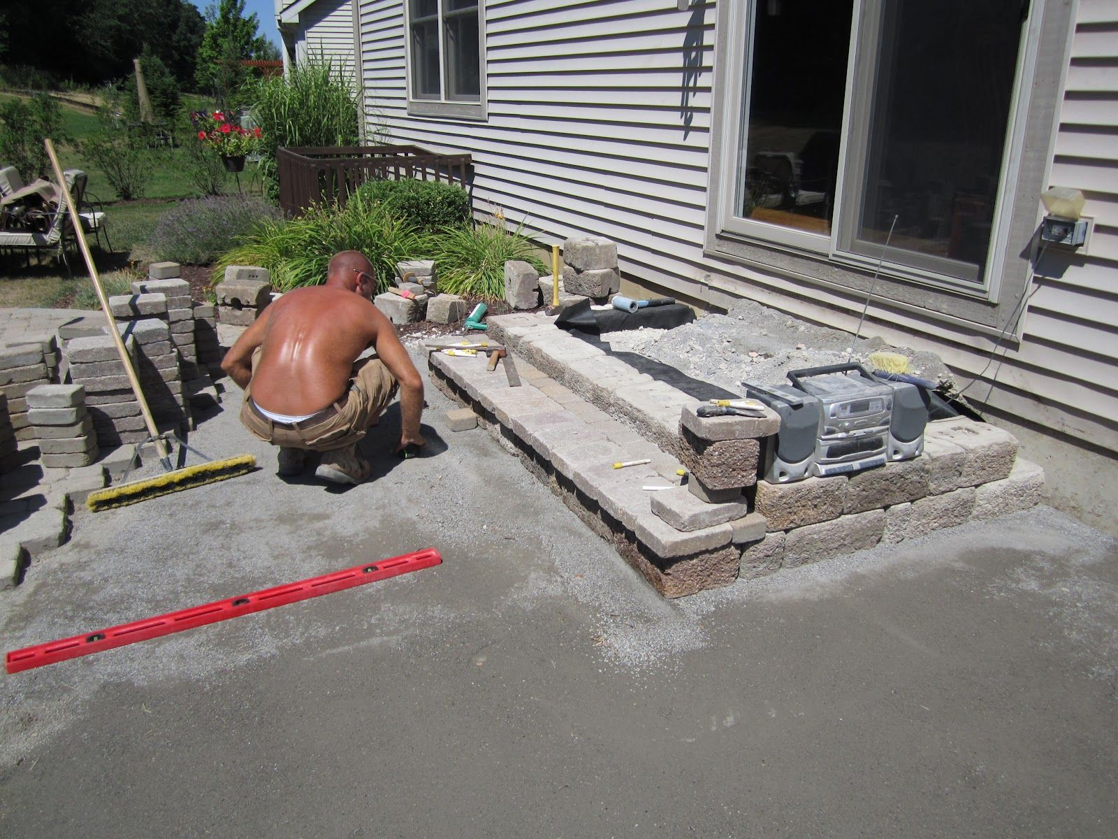 Paver stairs how to build step right in pinterest for Steps on building a house