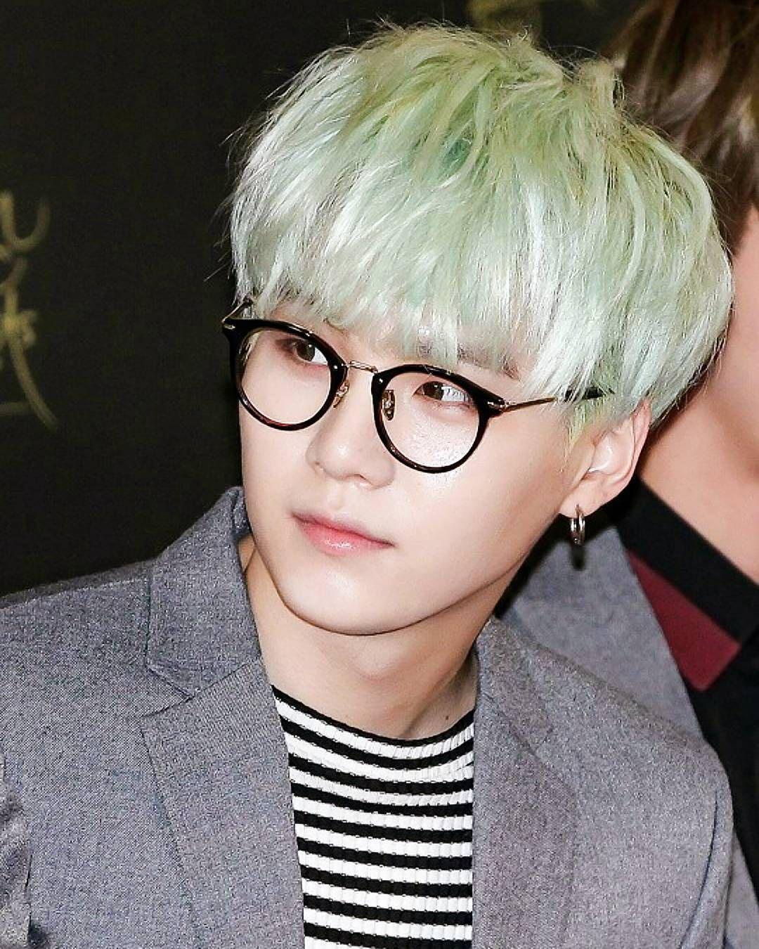 "21.2k Likes, 124 Comments - SUGA | AgustD | 비티에스 슈가 (@bts.suga) on Instagram: ""min suga genius jjang jjang man boong boong 👓 // I realised that my followers are not so active rn…"""