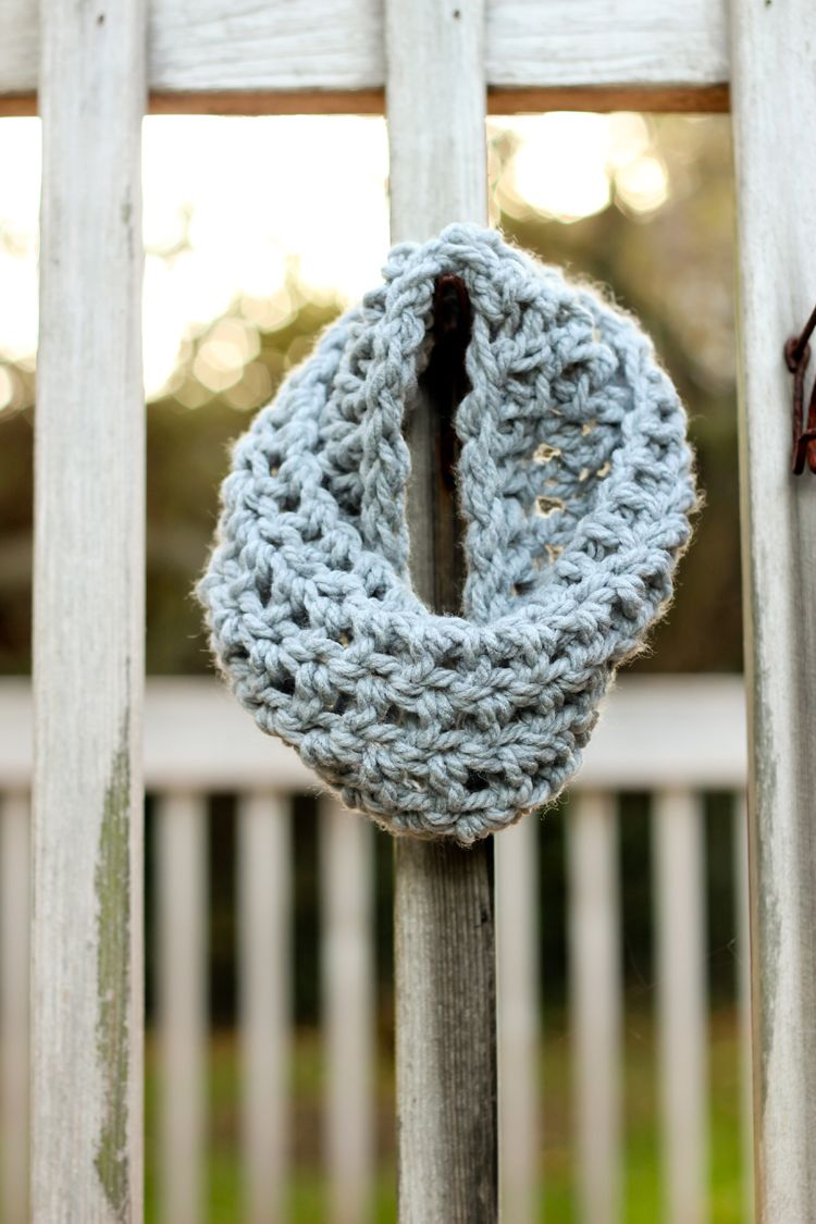 Crocheted toddler cowl scarf free pattern delia creates mary crocheted toddler cowl scarf free pattern dt1010fo