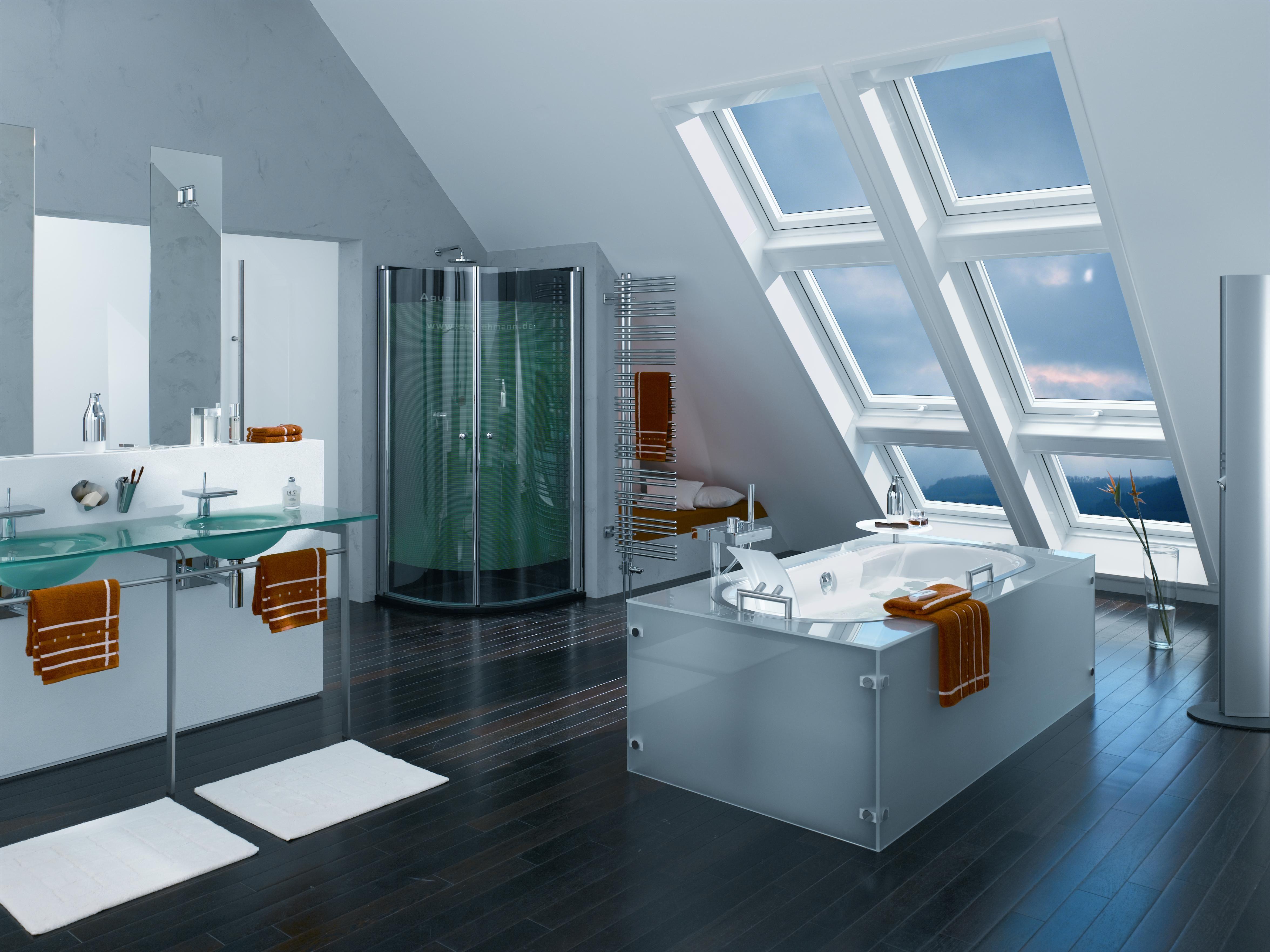 een hele mooie badkamer met badkuip en douche huis pinterest