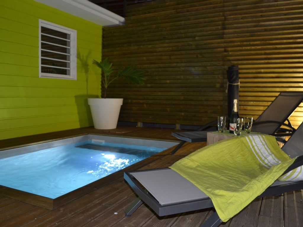 2x3m pool space by night Piscina, Casas, Wifi