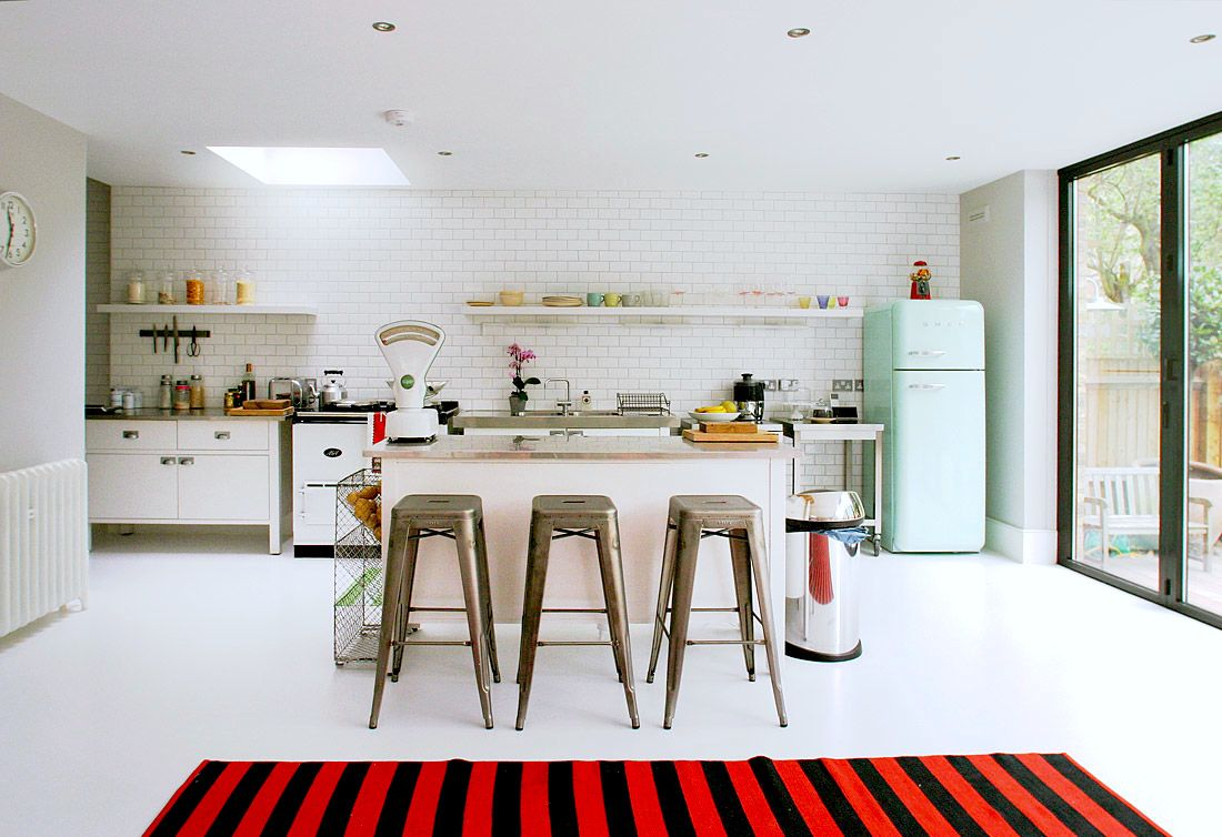 RETRO INSPIRED SMEG FRIDGES: Fabulous #modern #kitchen Design With Open  Layout +