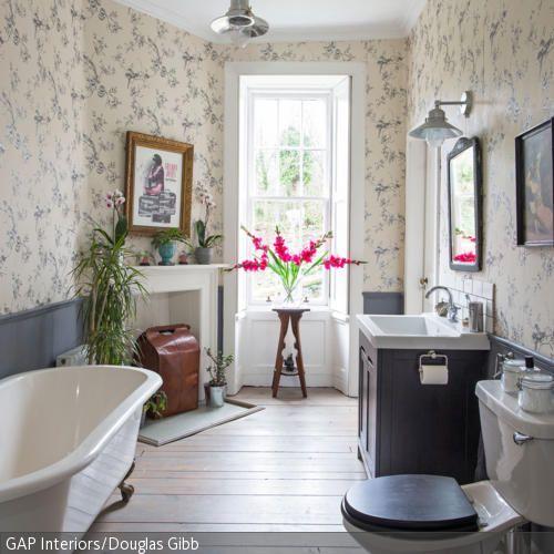 Tapete im badezimmer for Tapete fur badezimmer