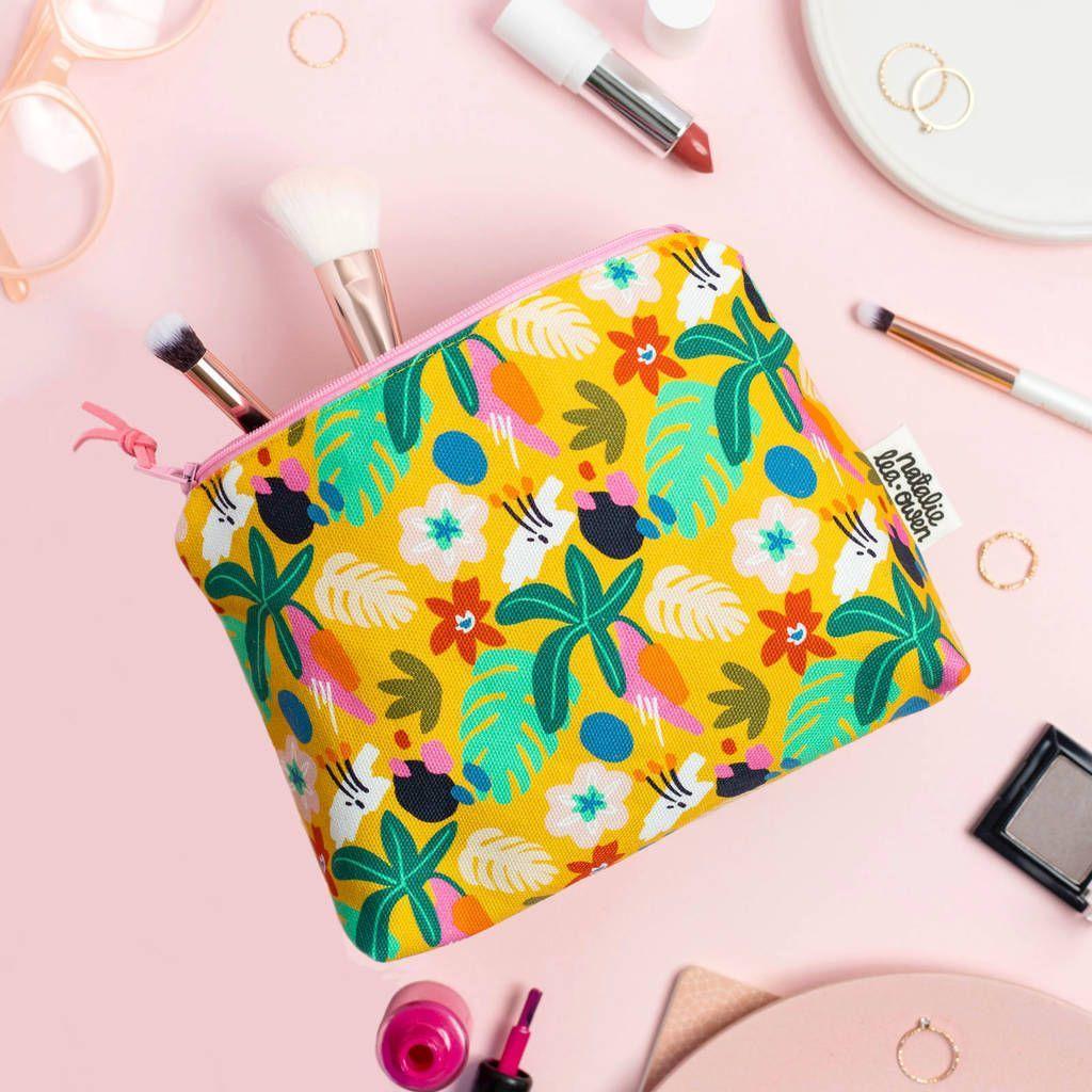 Jungle Patterned Makeup Bag #junglepattern Jungle Patterned Makeup Bag #junglepattern