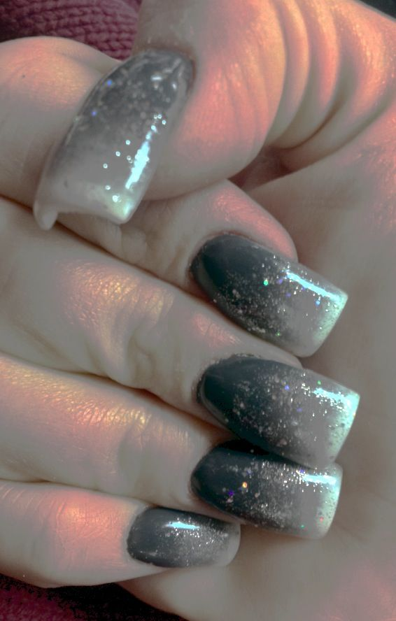 Sparkly grey / white ombré. (Nails by Tammy) | White ombre ...