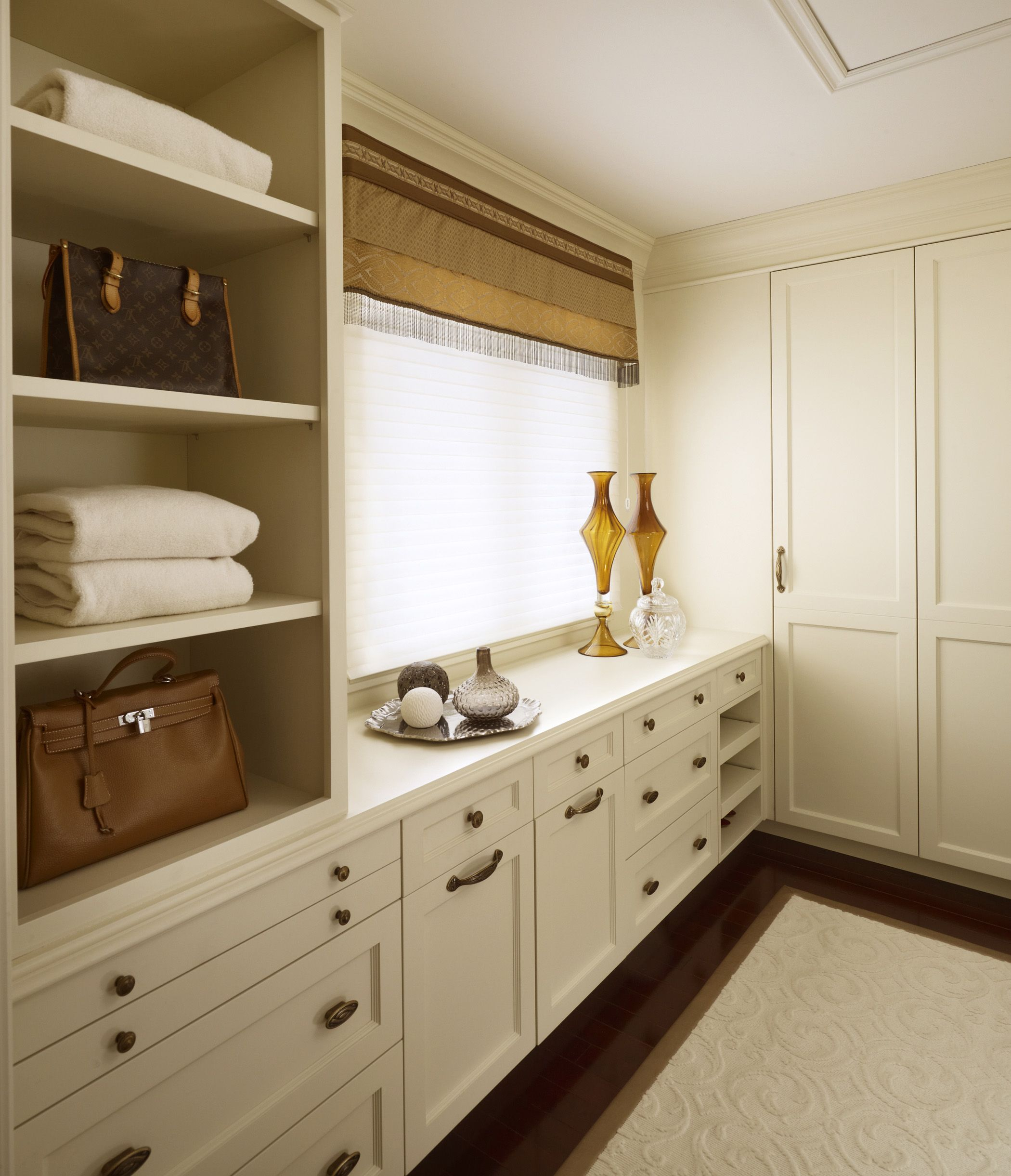 3 Kind Of Elegant Bedroom Design Ideas Includes A: The Design Ethos For This Master Suite Is One Of Elegant