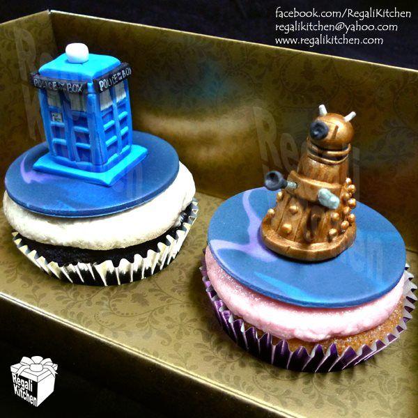 drwhocupcakes2 Cake and Wibbly wobbly timey wimey